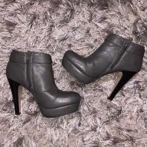 EUC Madden Girl buckle ankle bootie boots Sz. 6.5